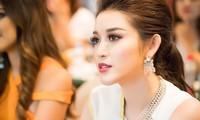 Á hậu Huyền My tặng nón lá cho Top 4 Hoa hậu Hoà bình Thế giới