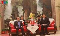 Нгуен Шинь Хунг встретился с секретарём парткома китайской провинции Хунань