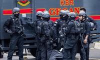 Задержаны трое подозреваемых в причастности к серии взрывов в Джакарте