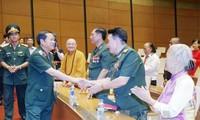 Вице-спикер парламента Вьетнама принял делегацию Командования ВМС страны