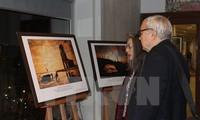 В штаб-квартире ЮНЕСКО в Париже прошла фотовыставка «Яркое море Вьетнама»