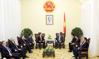 Deputy PM Vu Van Ninh receives Hungary's Minister of Foreign Affairs and Trade