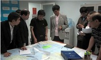 Vietnam intensifies search for Malaysian missing plane