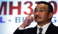 Malaysia calls for international support to find missing plane