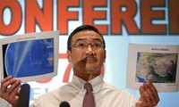 Malaysia steps up search for missing jet