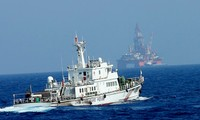 S.Koreans protest China's illegal oil rig in East Sea