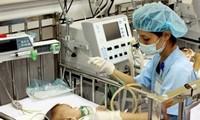 Australia donates medical equipment to Khanh Hoa General Hospital