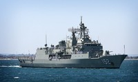 Australian naval ship visits Cam Ranh port