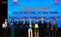 Best press works on fighting corruption, wastefulness honored