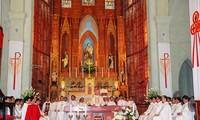 Católicos vietnamitas se unen al pueblo