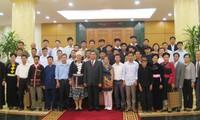 Ponderan papel de personas prestigiosas en las minorías étnicas