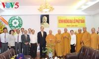 Dirigentes vietnamitas felicitan a monjes y creyentes budistas en ocasión del Vesak 2017