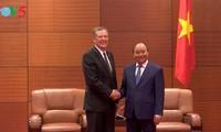 Premier vietnamita recibe a funcionarios de algunas economías miembros de APEC