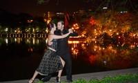 Tango, danza que acerca la cultura argentina al público vietnamita