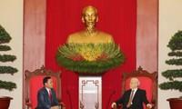 Máximo dirigente político de Vietnam urge a reforzar la cooperación partidista con Laos
