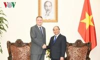 El primer ministro de Vietnam se reúne con el embajador eslovaco