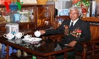 Vi Van Om, héroe de trabajo en el Noroeste de Vietnam