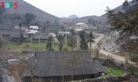 Los Mong y sus viviendas típicas de tierra