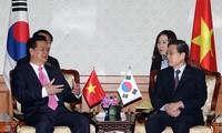 Rückblick auf die Reise des Premierministers Nguyen Tan Dung nach  Südkorea
