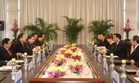 Vize-Premierminister Hoang Trung Hai trifft chinesischen Kollegen Li Keqiang