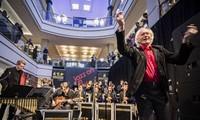 Landes-Jugendjazzorchester Bayern bringt den vietnamesischen Jazz-Anhängern neue Atmosphäre