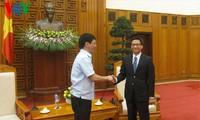 Vizepremierminister Vu Duc Dam empfängt ASEAN-Journalisten