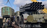 Die Konfliktparteien in der Ukraine ziehen die meisten schweren Waffen ab