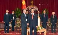 Premierminister Nguyen Tan Dung empfängt internationale Gäste