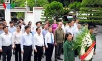Vorsitzender der Vaterländischen Front besucht Familien gefallener jugendlichen Freiwilligen