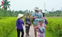 Auf dem Land in Quang Ninh: Bauern arbeiten als Reiseführer
