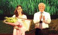 Auszeichnung des Schreibwettbewerbs über Landwirtschaft, Bauern und ländliche Räume