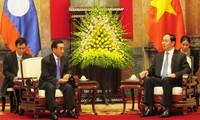 Staatspräsident Tran Dai Quang empfängt den laotischen Vizestaatspräsident