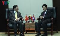Aktivitäten des Vizepremierministers, Außenministers Pham Binh Minh in Laos