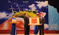 Foto-Ausstellung und Dokumentarfilme über ASEAN-Gemeinschaft in Hue