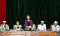 Leiterin der Kommission für Volksaufklärung der Partei trifft Vertreter der islamischen Gemeinschaft