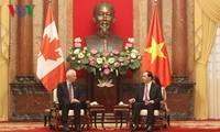 Staatspräsident Tran Dai Quang empfängt den kanadischen Außenminister Stephane Dion