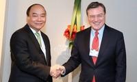 Premierminister:Vietnam verbessert Institutionen, um Anforderung der Industrierevolution zu erfüllen