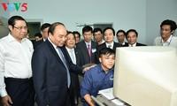 Premierminister Nguyen Xuan Phuc besucht die Universität Da Nang