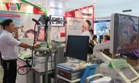 Unternehmen aus 30 Ländern nehmen an Internationaler Medizin- und Pharmamesse in Hanoi teil