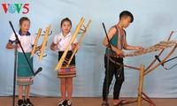 Volkslieder und traditionelle Instrumente der Xo Dang