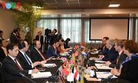 Premierminister Nguyen Xuan Phuc führt Gespräch mit dem niederländischen Premierminister Mark Rutte