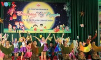 Mittherbstfest: Gemeinsam die Kinder pflegen