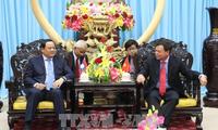 Laotischer Vizepremierminister besucht Provinz Ben Tre