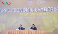 Vietnam und die Mitgliedsländer der APEC behandeln Herausforderung für Wachstum und Verbindung