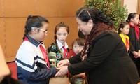 Vizeparlamentspräsidentin Tong Thi Phong empfängt Vertreter des Kinderhilfswerks in Vietnam