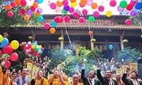 Vesakfest stellt die Religionsfreiheit dar