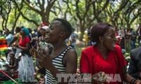 ປະທານາທິບໍດີ Zimbabwe ລາອອກຈາກຕຳແໜ່ງ
