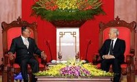 KPV-Generalsekretär empfängt myanmarischen Senatspräsident