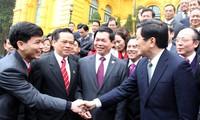 Staatspräsident Truong Tan Sang trifft Unternehmensvertreter