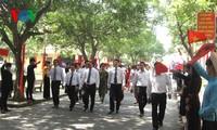 Vizeprämierminister Nguyen Xuan Phuc nimmt an Immatrikulation der Schule der Freundschaft T78 teil